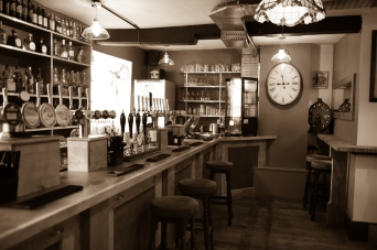 The Old Bath Arms Bars 2-1-4