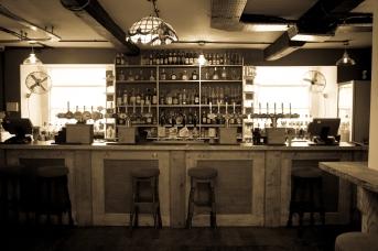 The Old Bath Arms Bars 2-1-6