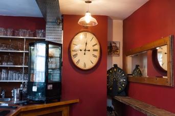 The Old Bath Arms Bars 2-1