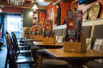 The Old Bath Arms - Bars © Martyn Payne 2016 0547