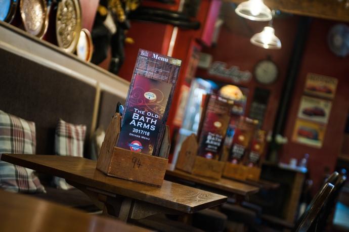 The Old Bath Arms - Bars © Martyn Payne 2016 0552