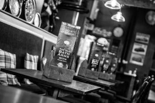The Old Bath Arms - Bars © Martyn Payne 2016 0553