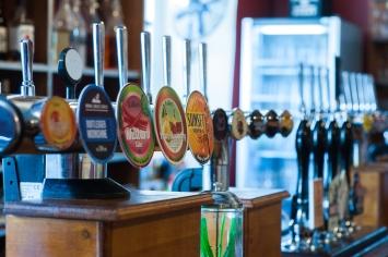 The Old Bath Arms - Bars © Martyn Payne 2016 0556
