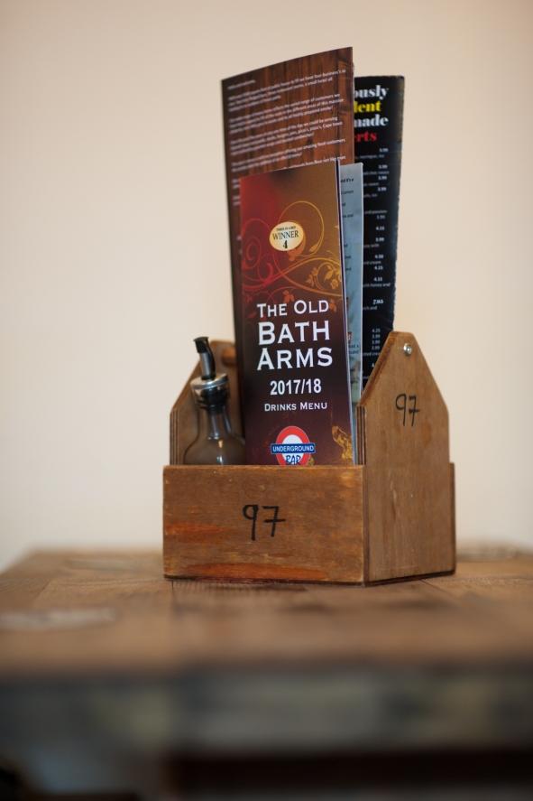 The Old Bath Arms - Bars © Martyn Payne 2016 0573
