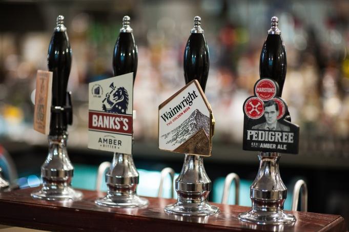 The Old Bath Arms - Bars © Martyn Payne 2016 0592