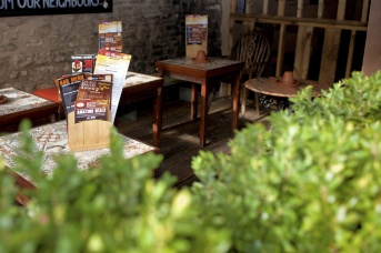 The-Old-Bath-Arms-Atmosphere-Oct-2018-Alfresco-©-Martyn-Payne-1-16-PC