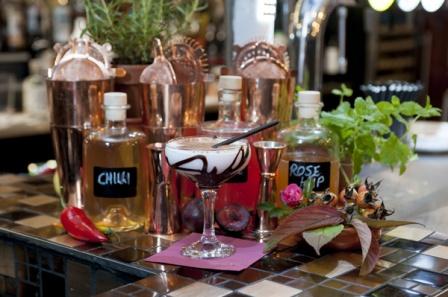 The-Old-Bath-Arms-Nov-2019-Craft-bar-cocktails-©-Martyn-Payne-Photography-1-3