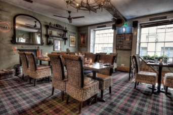 The-Old-Bath-Arms-Nov-2019-Green-Room-©-Martyn-Payne-Photography--HDR-PC